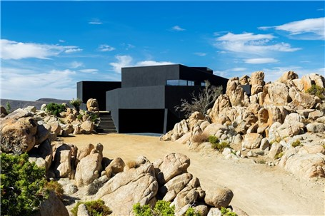 شاهکار معماری در صحرای خشک امریکا
