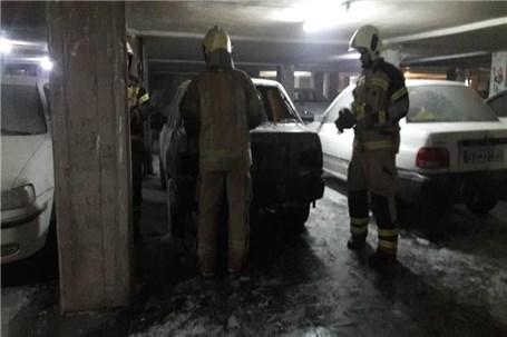 حریق خودرو در پارکینگ مجتمع مسکونی در شهرری